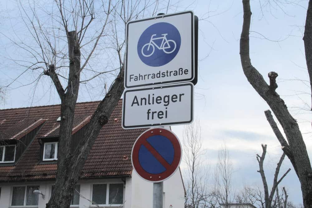 Fahrradstraße in der Mainzer Straße / Am Elsterwehr. Foto: Ralf Julke