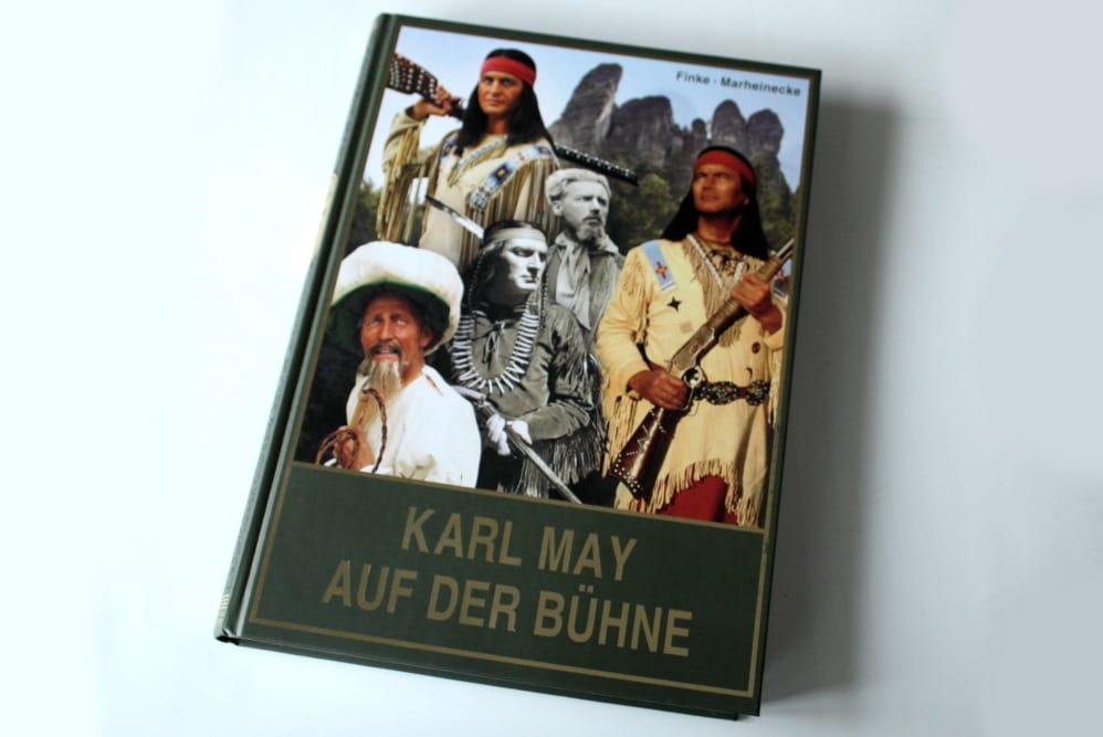 Nicolas Finke, Reinhard Marheinecke: Karl May auf der Bühne. Band 1. Foto: Ralf Julke