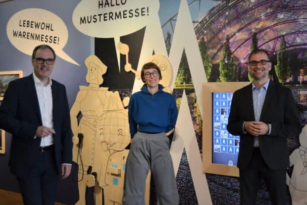 Martin Buhl-Wagner (Geschäftsführer der Leipziger Messe), Eva Lusch (Bildung & Vermittlung) und Dr. Anselm Hartinger (Direktor des Stadtgeschichtlichen Museums) weihen die neue Ausstellung im Kindermuseum ein. Foto: SGM, Katja Etzold