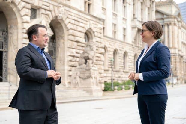 Tobias Wolff und Dr. Skadi Jennicke. Foto: Tom Schulze / Oper Leipzig