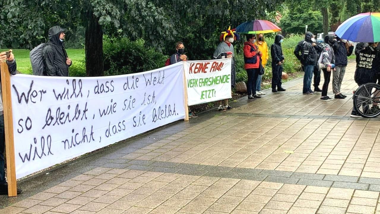 Verschiedene Gruppen, verschiedene Themen bei den Fridays for Future. Foto: LZ