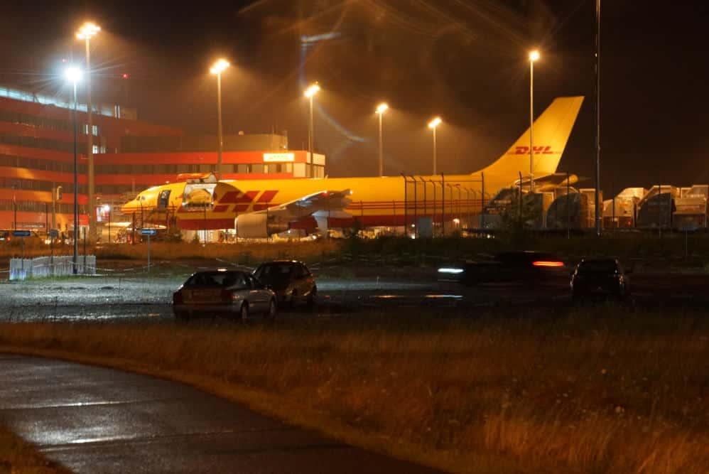 """DHL konnte in der Nacht vom 9. zu 10. Juli ohne Probleme weiterarbeiten. Foto: BI """"Gegen die neue Flugroute"""""""