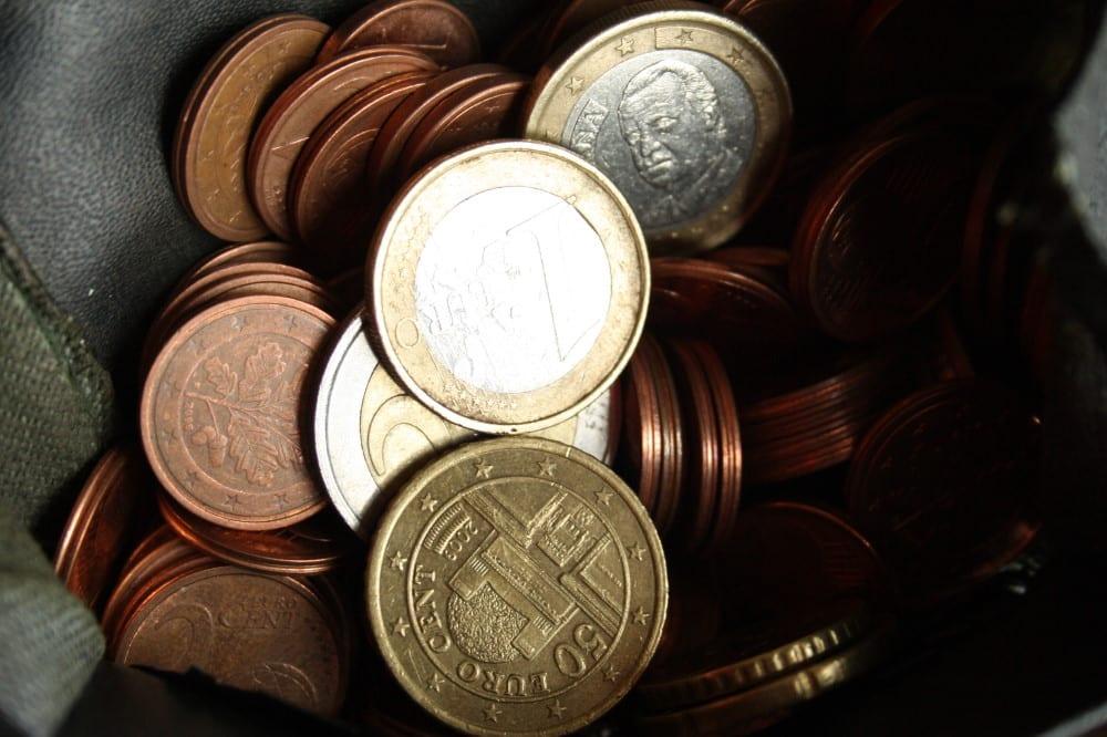 Reicht es noch bis zum Monatsende? Foto: Ralf Julke