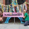 Klimaband-Aktion vor der Nikolaikirche. Foto: LZ