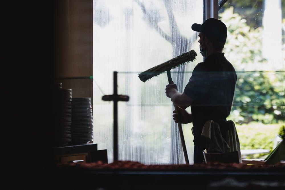 In der Gebäudereinigung sind Minijobs besonders stark verbreitet – und werden für die Betroffenen häufig zur Armutsfalle. Foto: IG BAU