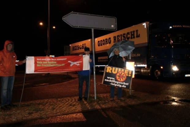"""Auch die Bürgerinitiativen gegen den Fluglärm beteiligten siuch am Protest. Foto: BI """"Gegen die neue Flugroute"""""""
