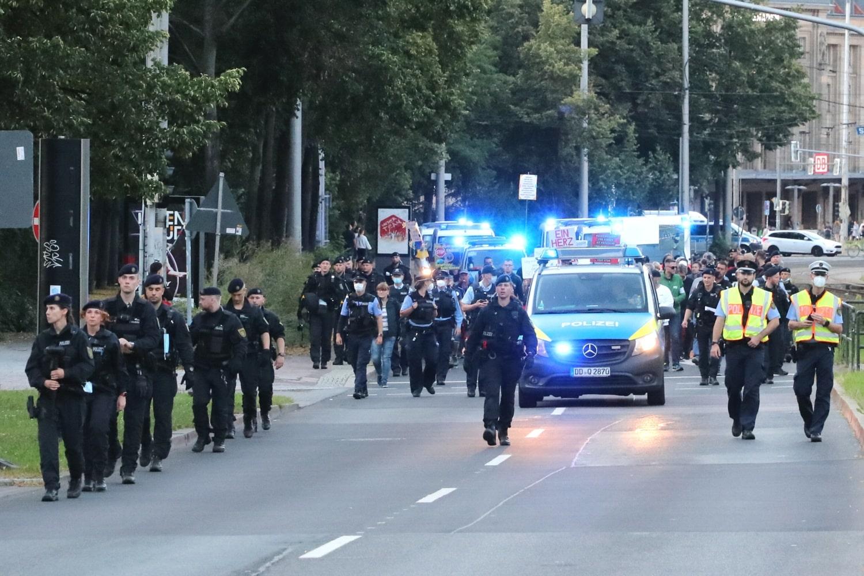 """Die """"Bürgerbewegung"""" auf dem Ring Höhe Gewandhaus. Foto: LZ"""