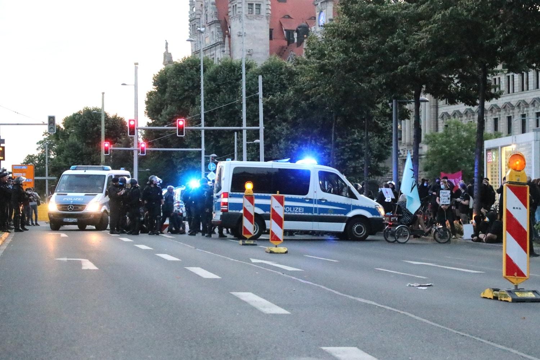 Eine Blockade auf Höhe Leuschnerplatz. Foto: LZ