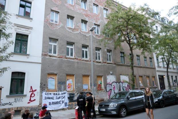 Alles beim Alten an der Ludwigstraße 71: Ein kaputtes Haus und unbewohnt. Foto: LZ