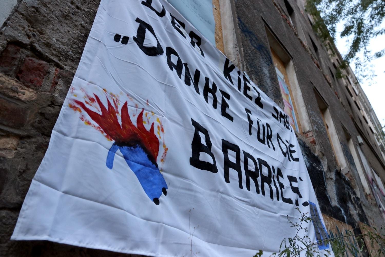 Ein Jahr ist die Besetzung der Luwi71, die anschließenden Demos im Leipziger Osten und auch ein Barrikadenbau nun her. Foto: LZ