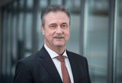 Claus Weselsky (62) ist seit 2008 Vorsitzender der Lokführergewerkschaft GDL. Er wirft der Bahn Provokation und fehlendes Interesse an einer Einigung vor. Foto: GDL