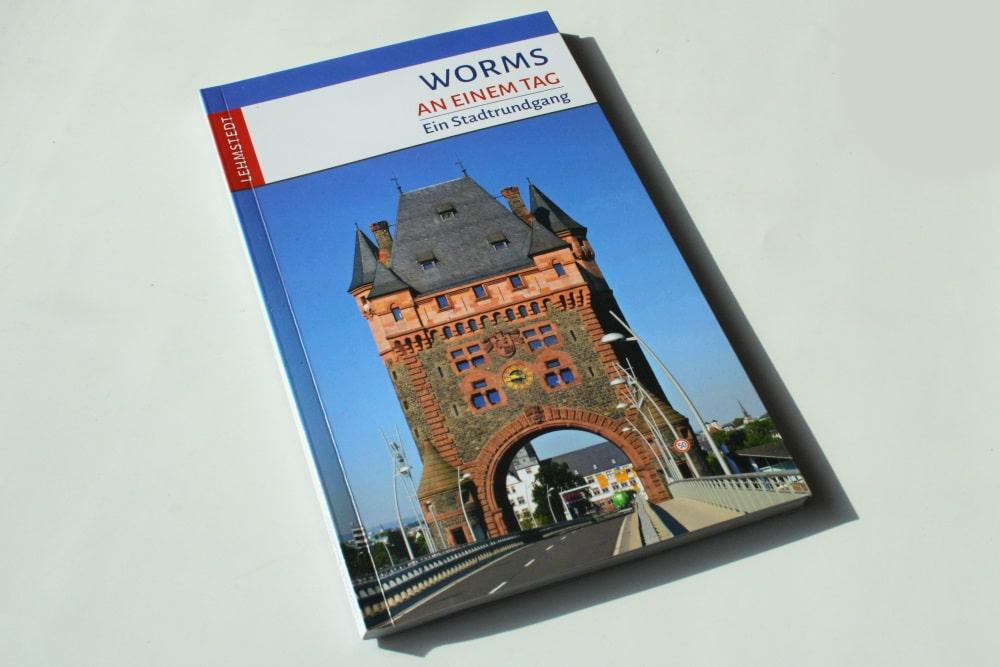 Tomke Stiasny: Worms an einem Tag. Foto: Ralf Julke