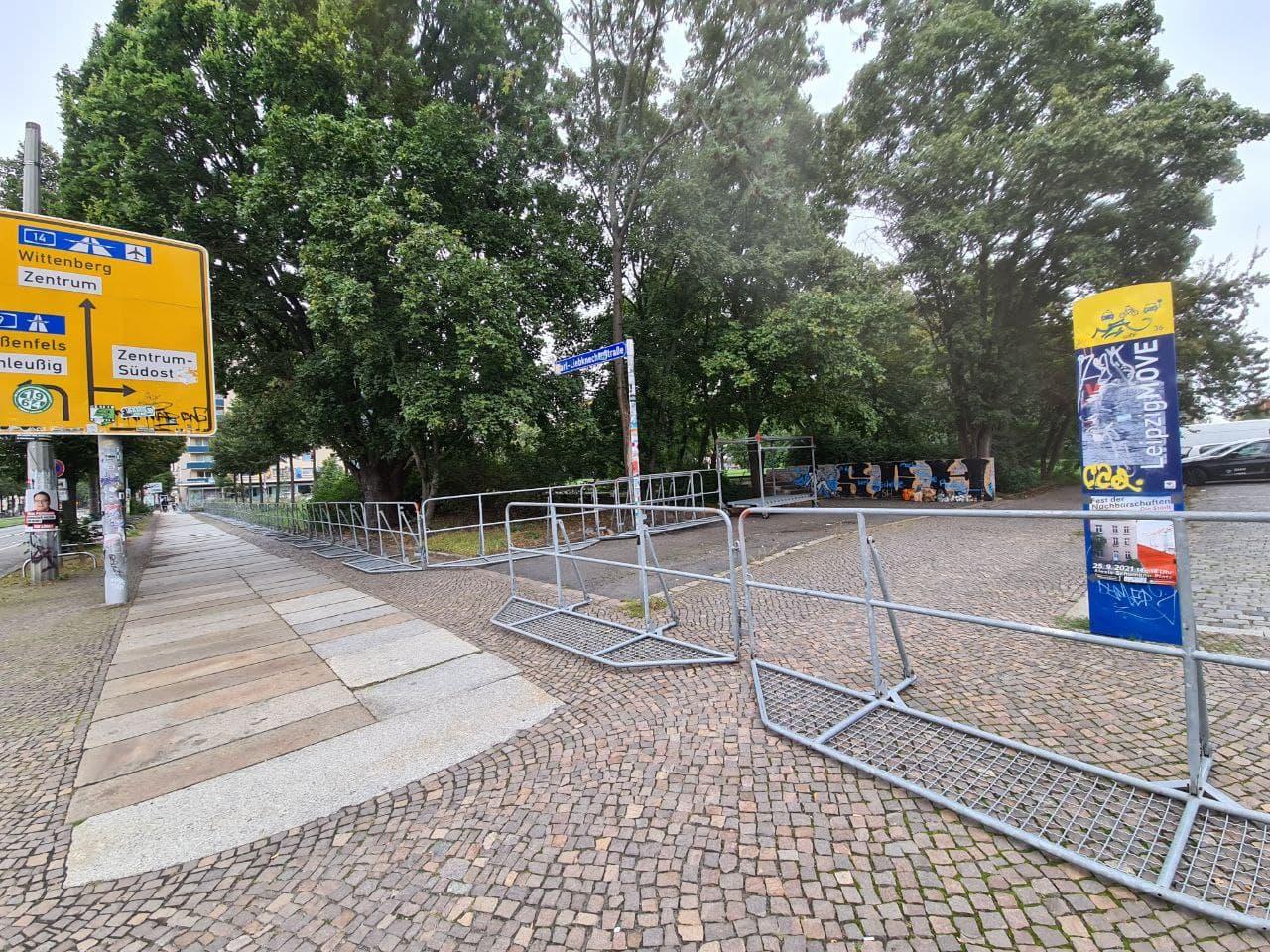 Gitter entlang der Kar-Liebknecht. Foto: LZ