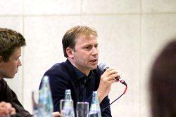 Sonst als eher ruhig und besonnen bekannt: Holger Mann (SPD), Direktkandidat seiner Partei im gleichen Wahlkreis wie Jens Lehmann (CDU). Foto: LZ