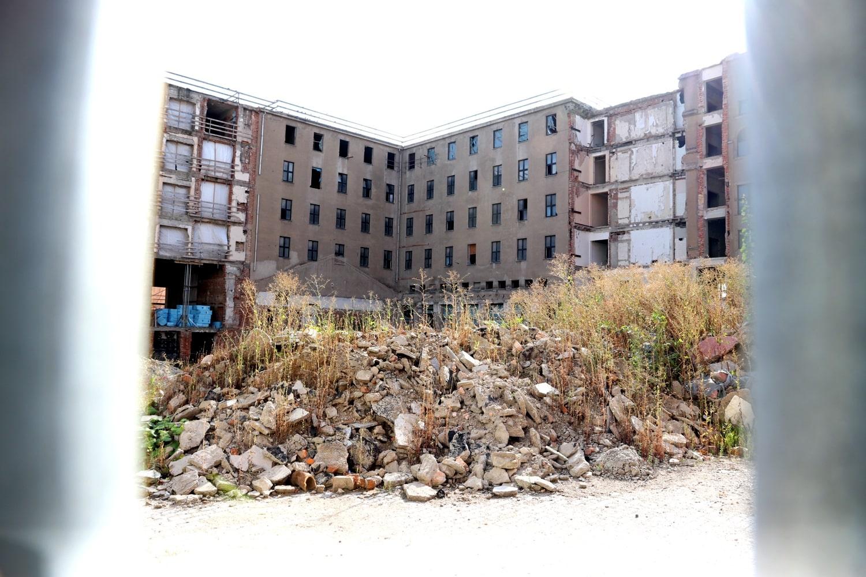 Der Westflügel des Gebäudes: ein Nachbau aus DDR-Zeiten. Foto: LZ