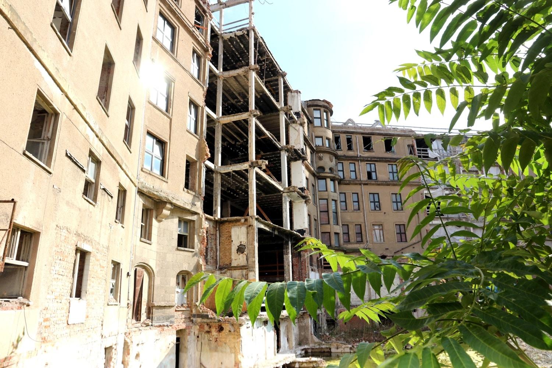 """Der Ostflügel grenzt direkt ans """"Best Western Hotel"""", welches auch gegen den ursprüngöichen Bauplan geklagt hatte. Foto: LZ"""