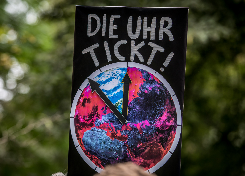 Eine deutliche Erinnerung an Liegengelassenes auf dem Klimastreik am 24. September in Leipzig. Nun gilts. Foto: Tilly Domian