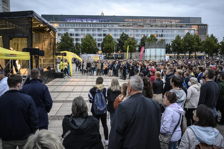 Ebenfalls gut besucht - die Wahlveranstaltung der FDP auf dem Augustusplatz. Foto: Tim Wagner