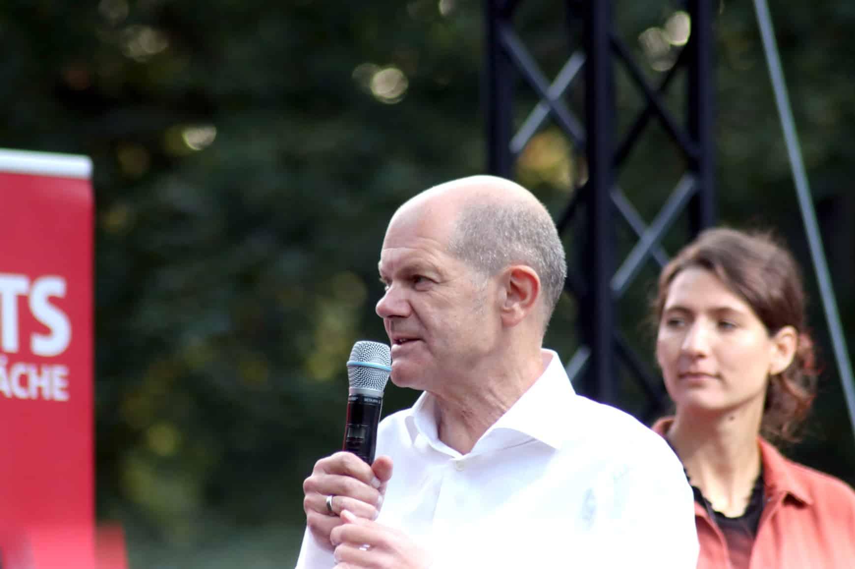 Olaf Scholz beim Wahlkampf in Leipzig (Clarapark). Foto: LZ