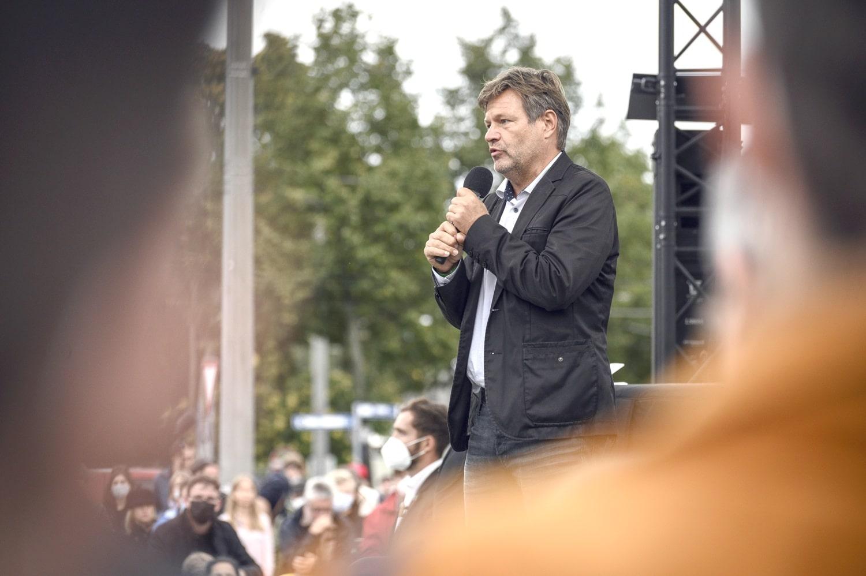 Robert Habeck auf dem Leuschnerplatz. Foto: Tim Wagner