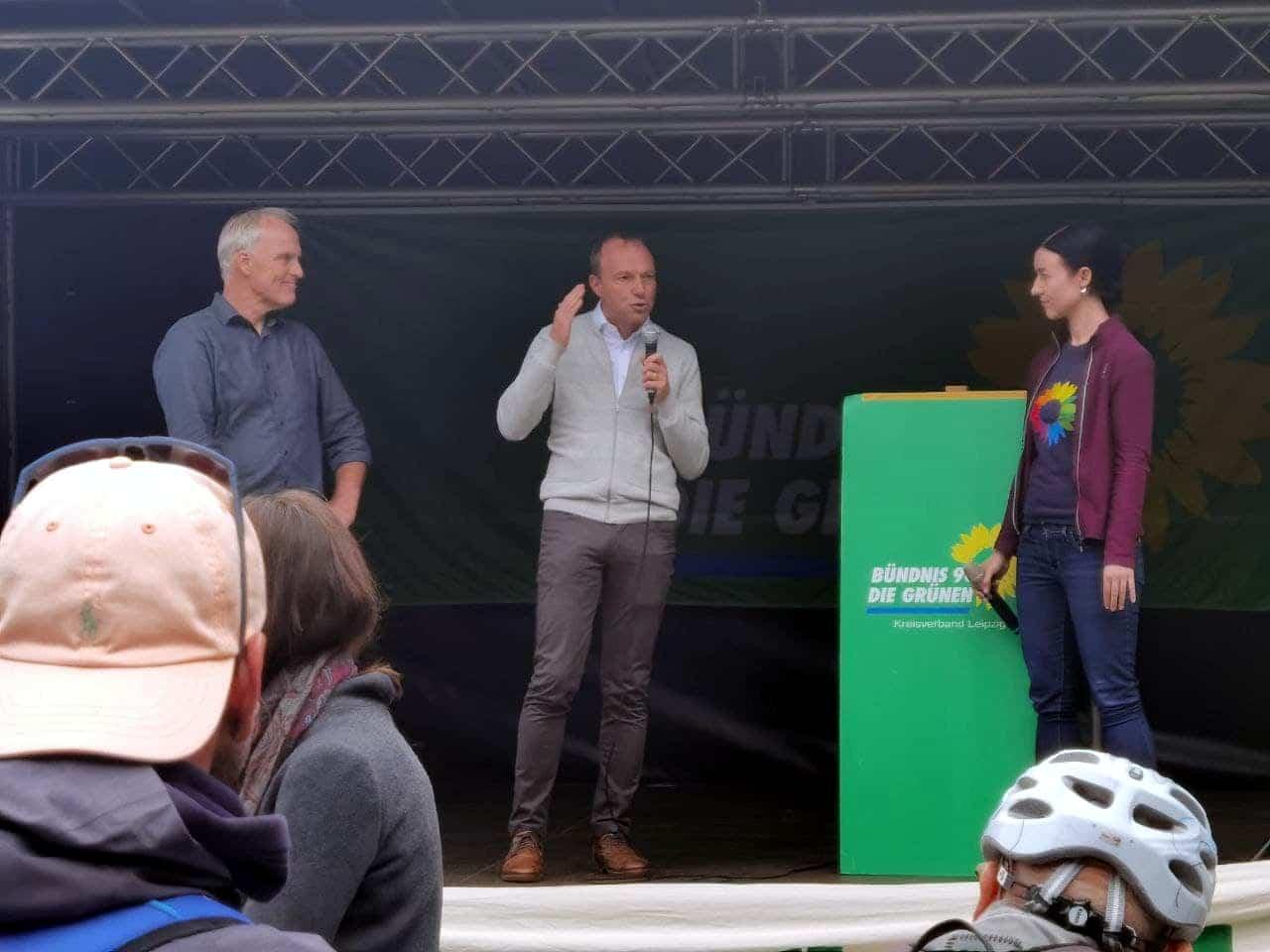 Klimastreik Sachsens Umweltminister Wolfram Günther (Grüne) und Kandidatin Paula Piechotta