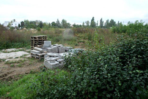 Freier Bauplatz für das neue Gymnasium in Wiederitzsch. Foto: Ralf Julke