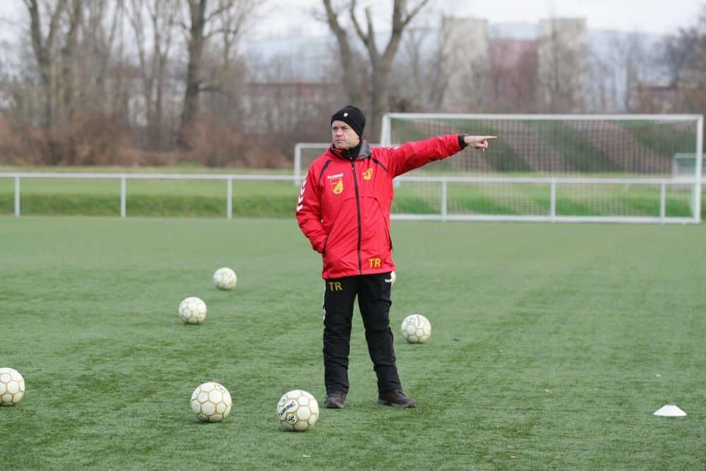 Ex-FFV-Trainer Hendrik Rudolph will nach sieben Jahren Pause nochmal im Frauenfußball angreifen. Foto: Jan Kaefer (Archiv)