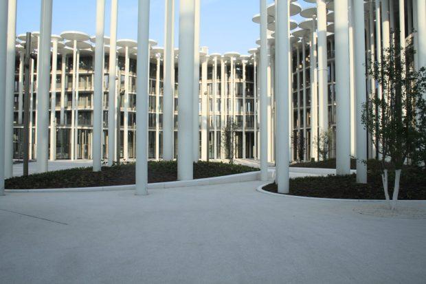 Das fast völlig versiegelte Forum vorm Neubau der SAB. Foto: Ralf Julke