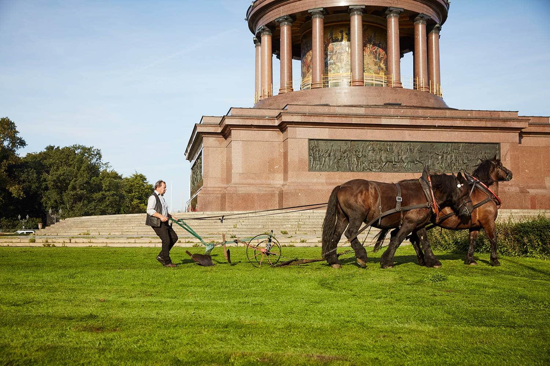 Der Bauer an der Siegessäule am 1.9.2021. Foto: Monika Keiler