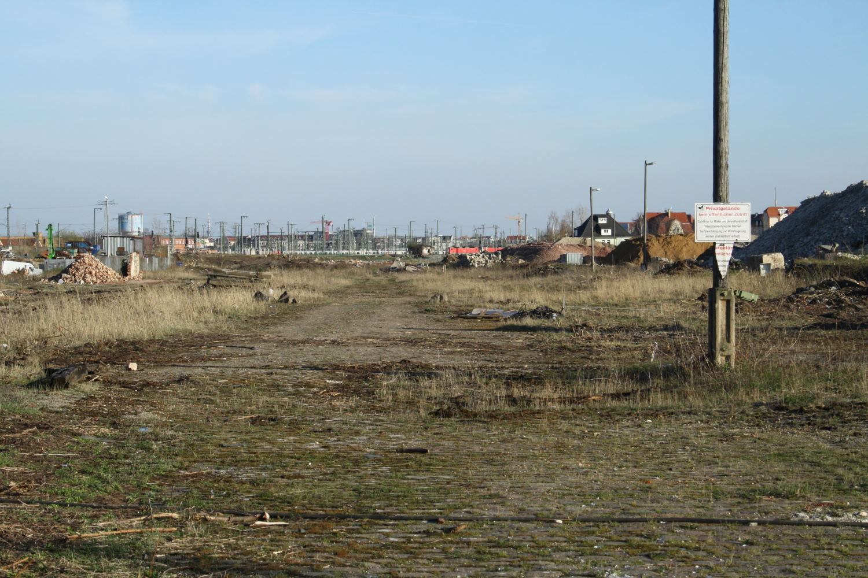 Bauland am ehemaligen Freiladebahnhof Eutritzsch. Foto: Ralf Julke