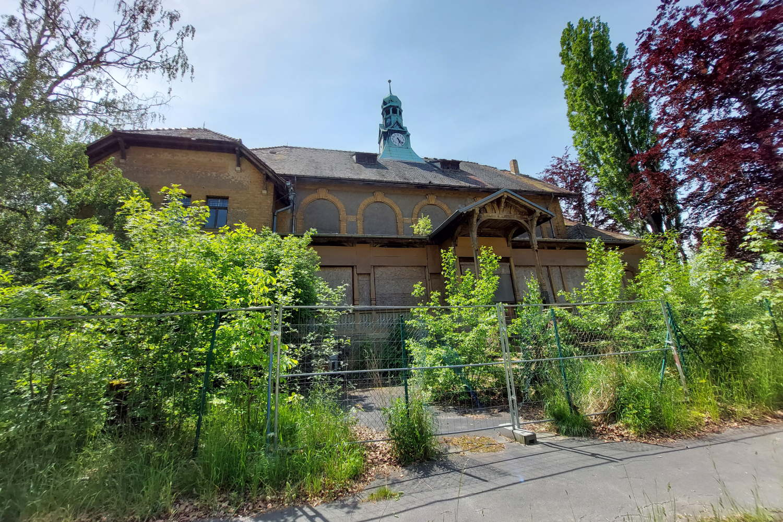 Gebäude im Gelände der künftigen Parkstadt Dösen. Foto: LZ