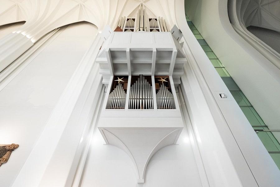 Die Schwalbennestorgel im Paulinum – Aula und Universitätskirche St. Pauli wird in diesen Tagen vollendet. Foto: Christian Hüller